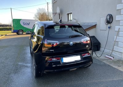 EV charging installation with load balancing
